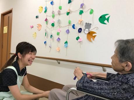あなたの仕事が「ありがとう」の言葉に繋がる…充実した医療・介護が自慢の高齢者向け住宅でのお仕事です。